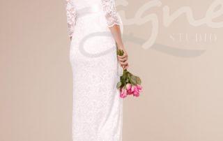 Katie-Gown-Long-Ivory-tehotenske-svatebni-saty-zada