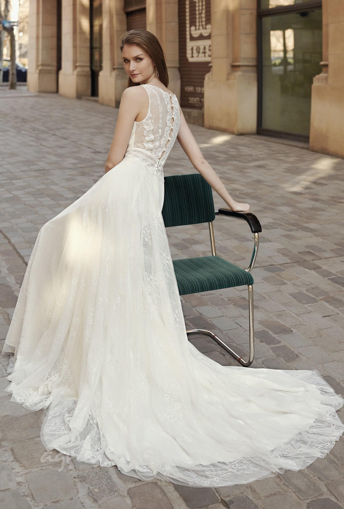 svatebni-saty-boho-style-sposa-5647-2