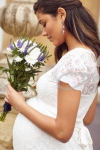 svatebni-tehotenske-saty-Vanessa Lace Maternity Wedding Gown Ivory Long