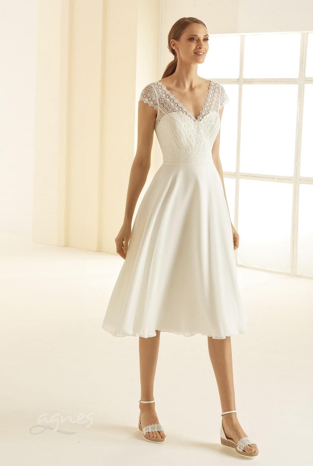 svatebni-saty-kratke-BORNEA-Bianco-Evento-bridal-dress-(1)