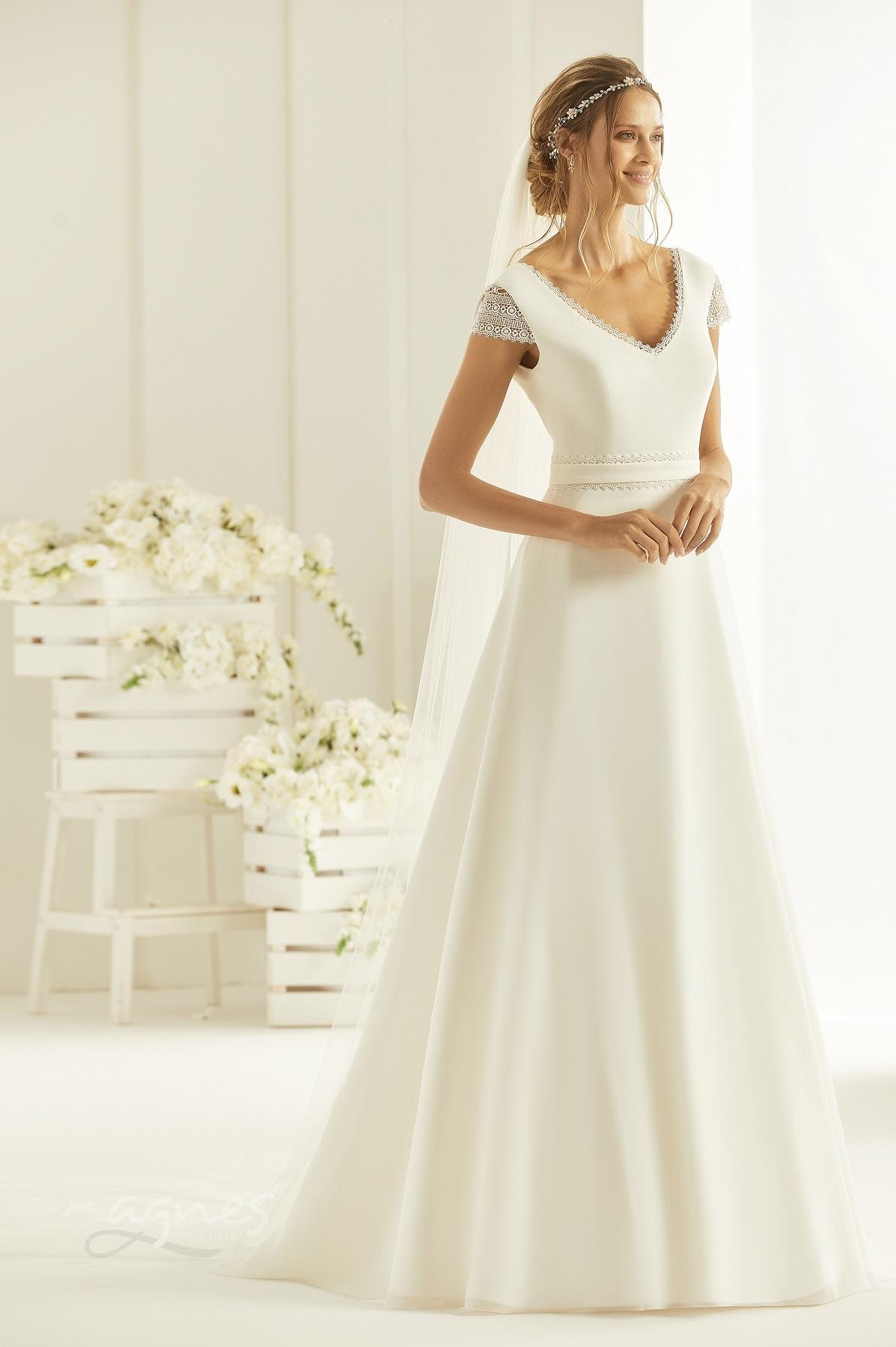 svatebni-saty-Bianco Evento bridal dress NATURA (1)