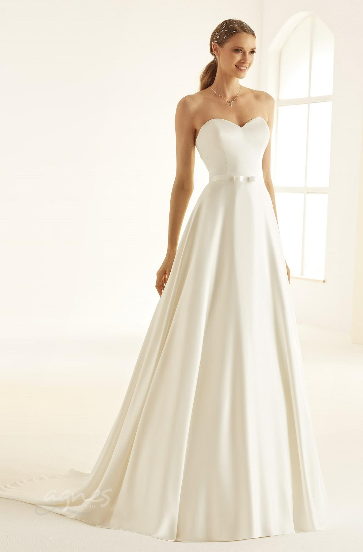 svatebni-saty-MELISSA-Bianco-Evento-bridal-dress-(1)