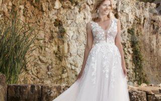 svatební šaty splývavého střihu