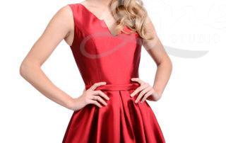 červené šaty na maturitní ples