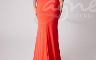 šaty na ples korálové dlouhé