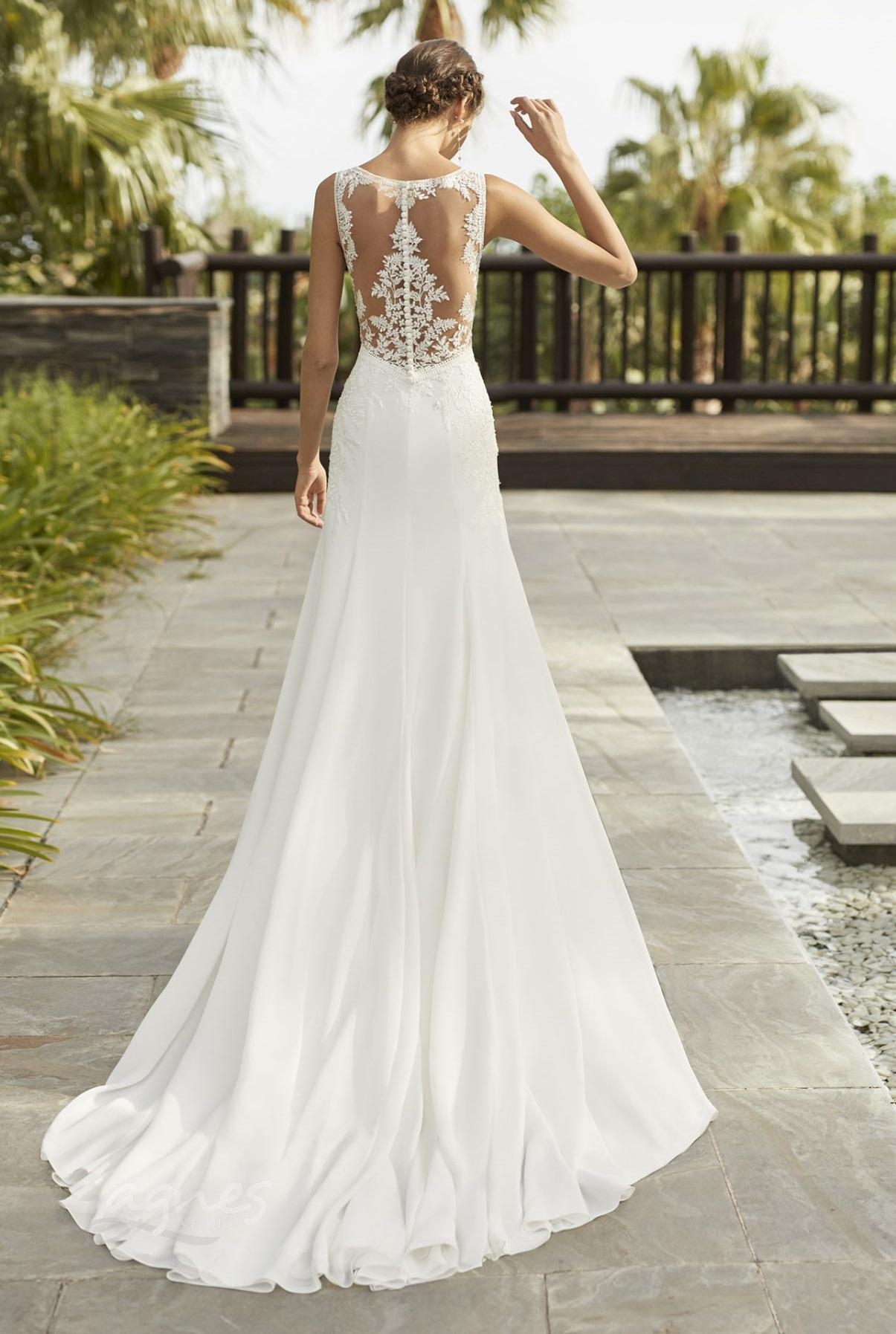 boho svatební šaty úzké