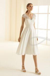 krátké svatební šaty s rukávem