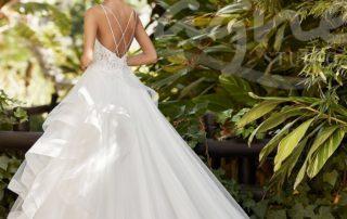 svatební šaty na statek