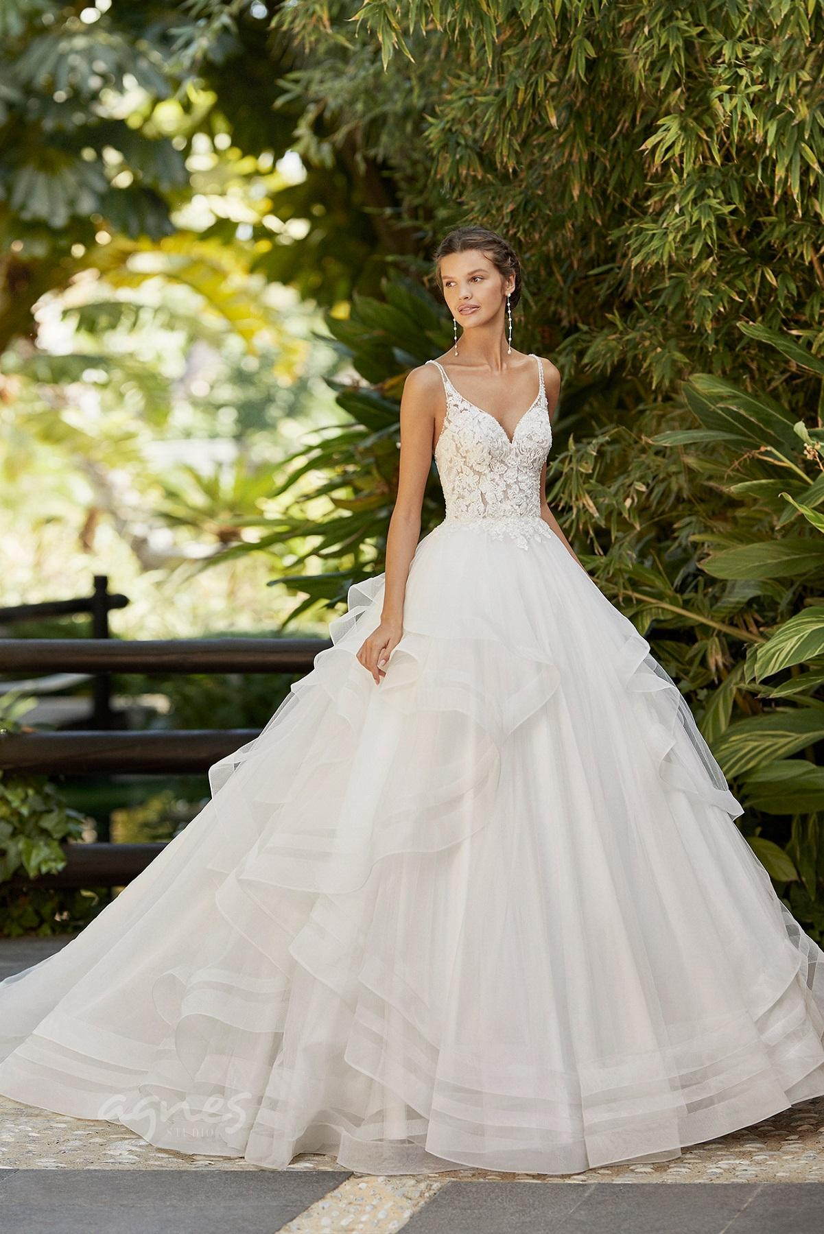avatební šaty s širokou sukní