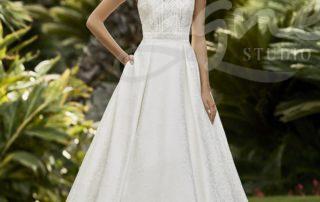 hladké svatební šaty